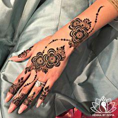 Henna Hand Tattoos Temporary — Hand Tattoos & Home Decor Henna Flower Designs, Pretty Henna Designs, Modern Henna Designs, Indian Henna Designs, Mehndi Designs For Beginners, Flower Henna, Henna Tattoo Designs, Rose Henna, Khafif Mehndi Design