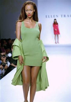 november 1, 1994 - Ellen Tracy - spring summer 1995 - New York - Tyra Banks