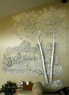 Том Моберг родился в Остине, штат Техас, 13 апреля 1945 года, считает себя ландшафтным скульптором. Использует в своих работах гипс и просто захватывает наше воображение, переносит нас в чудесный волшебный мир, где деревья растут прямо из стен. Этот дизайн создает гармоничное настроение, придает простор и перспективу нашему интерьеру и вливает энергию природы в наш дом.