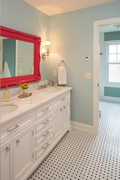 Red mirror with light blue walls – Bathroom Girls Vanity, Bathroom Kids, Bathroom Colors, Shared Bathroom, Neutral Bathroom, Bathroom Shelves, Bathroom Designs, Kitchen Colors, Bathroom Wall