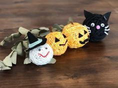 Diy And Crafts, Crafts For Kids, Arts And Crafts, Xmas, Christmas Ornaments, Paper Quilling, Happy Halloween, Halloween Decorations, Crochet Earrings