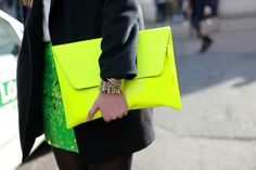 I <3 the Neon Clutch, Street Fashion Milan Fashion Week 2012