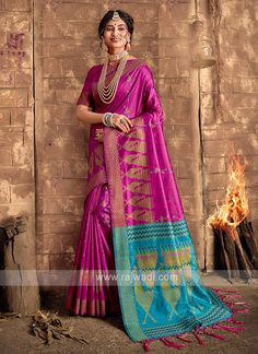 Raw Silk Magenta Saree... Raw Silk Saree, Silk Sarees, Cheap Sarees, Sari Fabric, Fabric Art, Fabric Material, Looks Chic, Bollywood Saree, Fancy Sarees