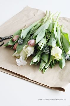 I am in love with this spring bouquet! Pastel tulips and hyacinth!!! Ahhh my fravourites and how fragrant wouldn't this be!!