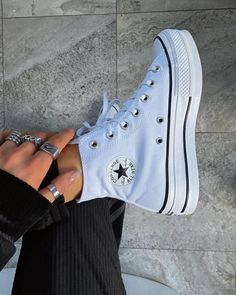Mode Converse, Outfits With Converse, White Converse, Converse Shoes Outfit, High Top Converse, New Converse, Dr Shoes, Hype Shoes, Me Too Shoes