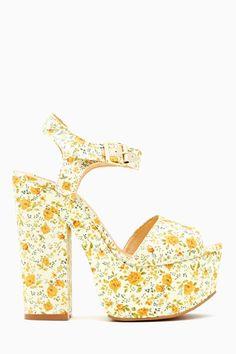 Ditsy Platform Sandal if it weren't so high, I'd love to wear it :D Dr Shoes, Crazy Shoes, Sock Shoes, Me Too Shoes, Shoe Boots, Shoes Sandals, Yellow Sandals, Floral Sandals, Floral Shoes