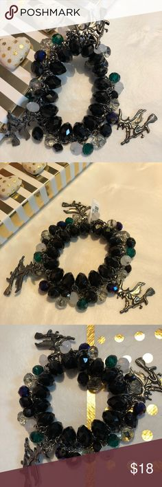 3 Witches baubbles n gems bracelets NEW 3 Witches dangling in this lovely bracelet piece. With black green grey and clear shiny beads n Baubbles NEW with tags witches jewelry Jewelry Bracelets