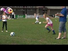 De Vriendinnendag is een voetbalactiviteit waar het plezier voorop staat en waar meisjes van 6 tot 16 jaar met elkaar gaan voetballen. De Vriendinnendag heeft als doel om meisjes (en hun ouders) kennis te laten maken met voetbal en voetballen bij een vereniging.