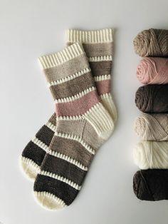 Crochet Socks Pattern, Crochet Quilt, Knitting Patterns Free, Crochet Patterns, Free Pattern, Knitting Socks, Hand Knitting, Knit Socks, Sock Yarn