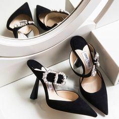 Jimmy Choo a choisit Sienna Miller comme égérie anti sociale ! Stilettos, Stiletto Heels, High Heels, Pumps Heels, Sienna Miller, Women's Shoes Sandals, Shoe Boots, Shoes Sneakers, Sneakers Adidas