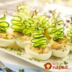 Recipes That Put a Healthy Spin on Deviled Eggs Recipes That Put a Healthy Spin on Deviled Eggs The post Recipes That Put a Healthy Spin on Deviled Eggs appeared first on Fingerfood Rezepte. Mini Appetizers, Appetizer Recipes, Good Food, Yummy Food, Food Garnishes, Food Platters, Xmas Food, Food Decoration, Food Humor