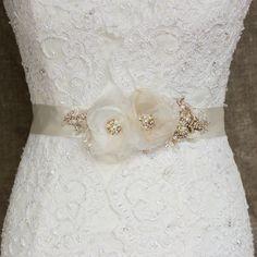 Wedding dress sash belt, Bridal dress sash belt, Gold Ivory Rose Gold Champagne Sashes & Belts   This belt is handmade by me on the ivory double faced