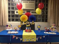 Cake/cupcake/food display table for party
