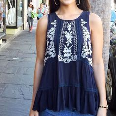This cutie didn't last two days last time we had it ... restocked in navy cream and peach // $39 in store and willyjays.com!