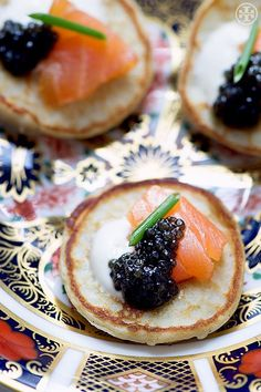 Caviar Blinis Via Tory Entertains Night Dinner Recipes, Good Food, Yummy Food, Think Food, Festa Party, Appetisers, Wine Recipes, Appetizer Recipes, Catering