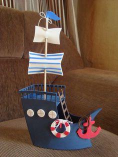 Barco marinheiro com escada