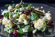 Pikkelöidyssä punakaalissa (ja hampparin välissä) maistuu joulu!   PALEOKEITTIÖ Potato Salad, Cauliflower, Potatoes, Vegetables, Ethnic Recipes, Food, Cauliflowers, Potato, Essen