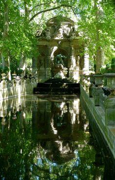 Jardin du luxembourg Medici Fountain