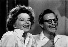 USA. American actress Katharine HEPBURN with American film maker Sidney LUMET. 1961.  © Bob Henriques/Magnum Photos