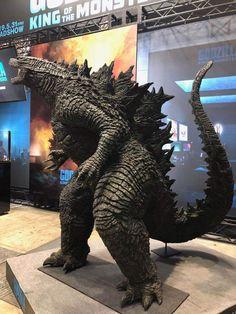 Godzilla Suit, Godzilla Toys, Godzilla Costume, Black Panther Drawing, Original Godzilla, Pacific Rim Kaiju, Godzilla Birthday Party, Godzilla Franchise, Giant Monster Movies