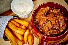 Flemish Stew (Recipe is in Dutch) Dutch Recipes, Fun Easy Recipes, Beer Recipes, Cooking Recipes, Flemish Stew Recipe, Food Vans, Food Wishes, Happy Foods, Food Blogs