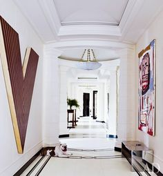 AD - A Manhattan Makeover by David Kleinberg - I want this wall, just for the massive V