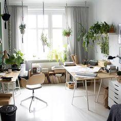 W o r k s p a c e 🌿 #macrame #macrameplanthanging  Available in my shop 🌿✔️🍃🌱 . . . #art #workspace #artwork #artofvisuals #plants #plantover #fern #naturehouse #natureisperfect #greenlife #interior #interiordesign