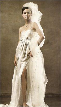 Korean modern bridal Hanbok with a veil Wedding Dress With Veil, Weeding Dress, Cute Wedding Dress, Korean Traditional Dress, Traditional Dresses, Hanbok Wedding, Modern Hanbok, Culture Clothing, Korean Wedding