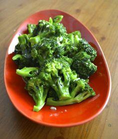 garlicky broccoli stir-fry - best way to eat broccoli! - THE WOKS OF LIFE