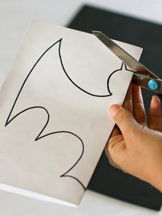 How to make bat decoration for a Batman Party