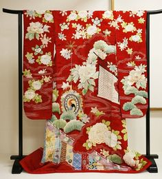 19th century silk furisode. Japan Kimono Culture Museum