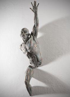 Extra Moenia, sculpture by Matteo Pugliese