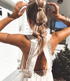 Ponytail with style