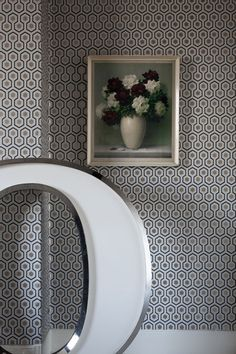 The stunning small-scale Hicks Hexagon wallpaper from Cole and Son is a design classic. The stunning geometric design is offered in 4 stunning new colour ways, including green and gold. This wallpaper is perfect for any home with any style interiors. Geometric Wallpaper Design, Hexagon Wallpaper, Cream Wallpaper, Of Wallpaper, Designer Wallpaper, Pattern Wallpaper, Amazing Wallpaper, Graphic Wallpaper, Wallpaper Designs