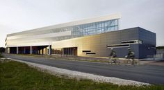 FERMILAB OTE BUILDING BY ROSS BARNEY ARCHITECTS