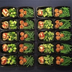 Two homemade, protein-packed ideas by Idea Healthy Stuffed chicken parmigiana, steamed broccoli (or Brussels sprouts). Idea Southwest Stuffed Turkey Meatballs and steamed green beans. Notes from Sammy Jo: This is twenty Meal Prep Bag, Lunch Meal Prep, Healthy Meal Prep, Healthy Cooking, Healthy Eating, Healthy Recipes, Clean Eating, Meal Preparation, Eating Light