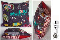 Housse de coussin . Éléphants multicolores de la boutique Tikoutile sur Etsy
