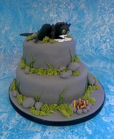 Toothless birthday cake                                                       …