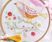 Oiseau sur la branche, applique oiseau, artisanat maison du kit - Yellow Bird - broderie main, kit de bricolage, kit de broderie moderne, trousses d'artisanat, cadeau bricolage