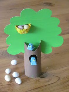 A Patchwork Life: Egg box bluebirds in a tree - Easter crafts Toilet Paper Crafts, Paper Roll Crafts, Easter Crafts For Kids, Summer Crafts, Egg Box Craft, Bird Nest Craft, Easter Tree, Easter Eggs, Egg Carton Crafts