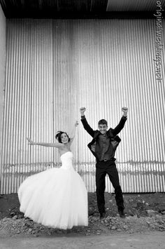 Fun wedding picture :) (pinned this from http://originalweddings.net )