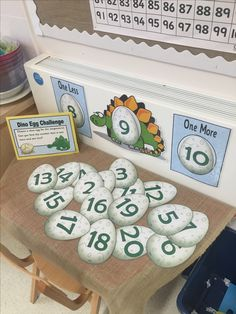 Math Center - one more, one less Dinosaurs Preschool, Dinosaur Activities, Kindergarten Math, Teaching Math, Math Activities, Preschool Activities, Subtraction Activities, Math Worksheets, Year 1 Maths