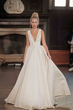 391d71c0718 Ball Gown Wedding Dresses   BERTA FW 2017 Runway Show