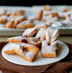 A delicious fry pastry. Yummy Drinks, Yummy Food, Chilean Recipes, Chilean Food, Latin American Food, Recipe Images, Cookie Recipes, Deserts, Food And Drink