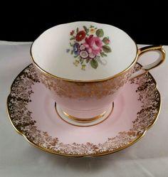 COLLINGWOODS TEA CUP AND SAUCER ROSES FLOWERS GOLD GILT VINTAGE