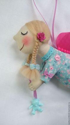 Купить или заказать Ангел с мишкой в интернет-магазине на Ярмарке Мастеров. Нежное создание... Нежный ангел... Голубой, бирюзовый, розовый.... Бирюзовый мишка в ручках. Бантики, кружево...Спешит с подарком...