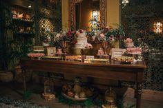 CAKES & DECOR
