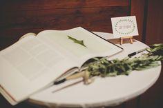 Cute Guestbook Easel