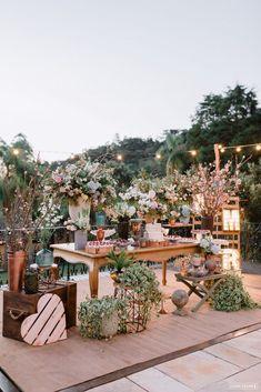 Azul Serenity e Rose Quartz Chic Wedding, Trendy Wedding, Wedding Table, Rustic Wedding, Wedding Reception, Dream Wedding, Wedding Dress, Forest Wedding, Garden Wedding