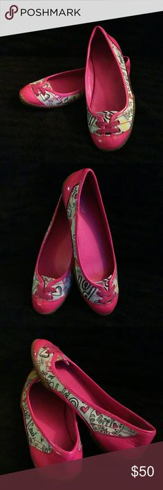 EUC Poppy Pink COACH flats Size 7 Only worn a few times. EUC poppy COACH flats. Size 7B. Only one mark barely noticeable on underside of shoe. Picture 4. Price is lowered to reflect mark. Coach Shoes Flats & Loafers